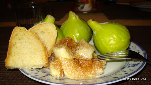 Figs and Bread Breakfast at Il Cedro Bed and Breakfast, Catanzaro, Calabria