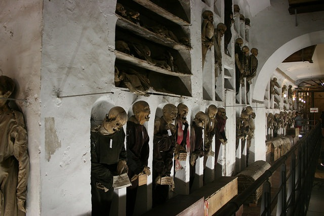 crypt catacomb palermo sicily travel